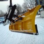Esilaaduri lumesahk 2,2m  Nurk mehaaniliselt muudetav